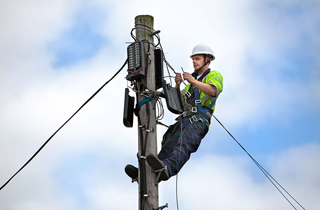 5 Things to Know before Choosing to Become an Electrician